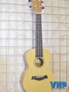ukulele-rosen-r-33u-vhp-01